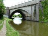Nicely shaped railwaybridge on The Grand Union Canal in England.